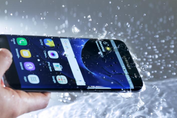 Galaxy-S7-resistente-agua